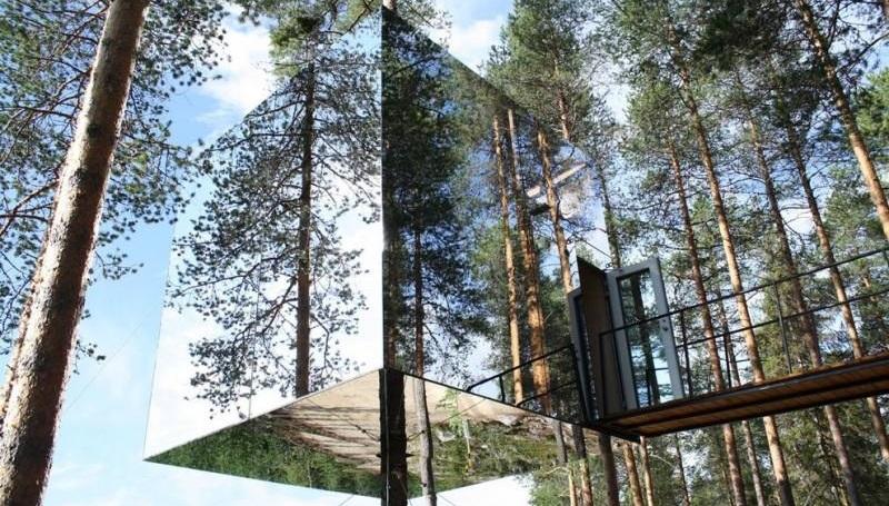 Зеркальный отель на дереве в Харадсе, Швеция