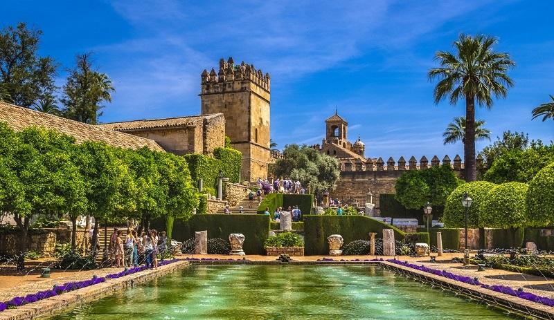Замок Алькасар в Кордове, Испания