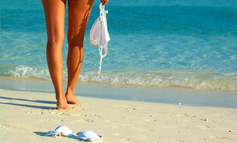 Как себя вести на нудистском пляже